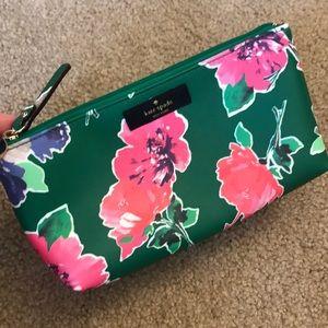 Kate Spade green floral makeup bag 💚💚